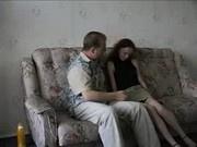 Отец уболтал на секс свою молоденькую дочку